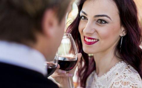 婚后怎样增进夫妻感情,如何增进夫妻感情,如何经营婚姻