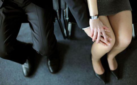 被上司性骚扰该如何自保