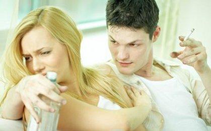 一个占有欲很强的男友有这5个特点