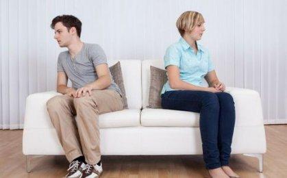 婚姻渐行渐远时 男人会有的4点表现