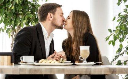 两性亲吻可能会导致的生理健康问题